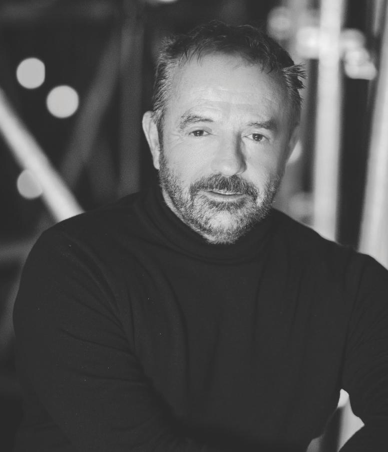 Bruno Berberes directeur de casting de la comédie musicale Je vais t'aimer